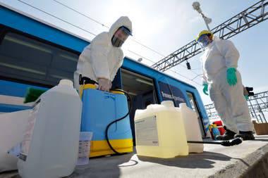 prueban-nuevo-compuesto-para-desinfectar-el-transporte-publico article image