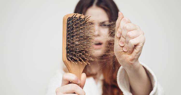 caida-del-pelo-por-deficiencia-de-vitamina-b12 imágen de artículo
