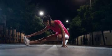 que-tan-bueno-y-o-correcto-es-hacer-ejercicio-por-las-noches imágen de artículo