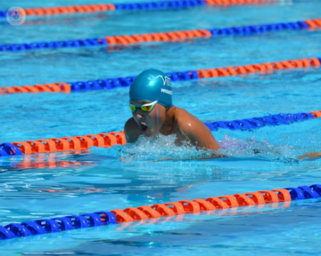 nadador-lesiones-manguito-rotador